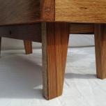 10 Leg detail